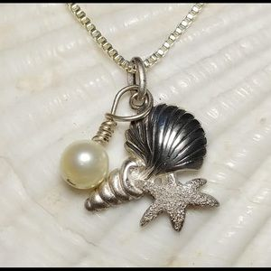 Jewelry - Shell design pendant